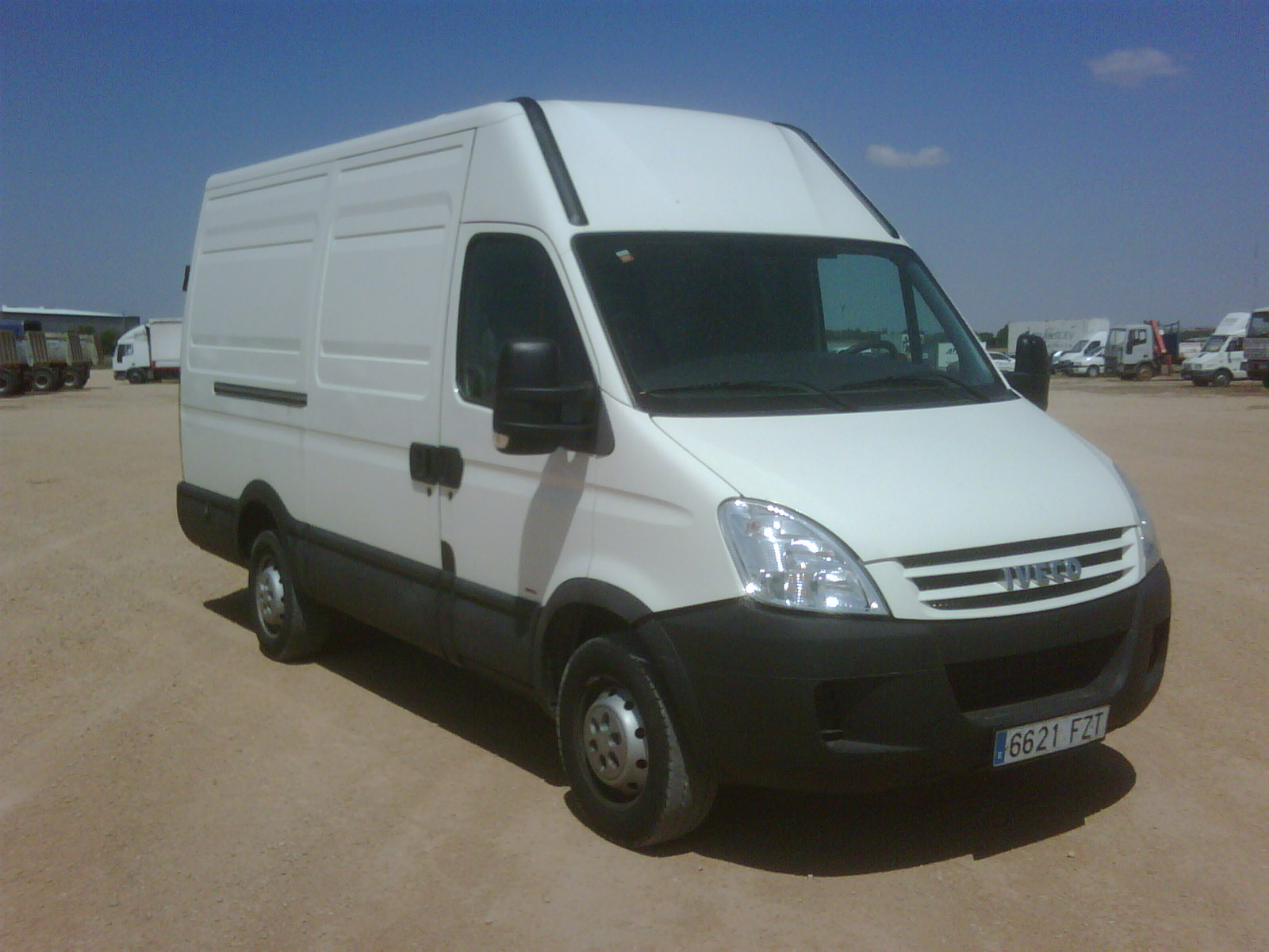 12000-IVECO-Daily 35S14V 12 m3-