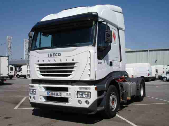 Tractoras IVECO AS440S48T/P